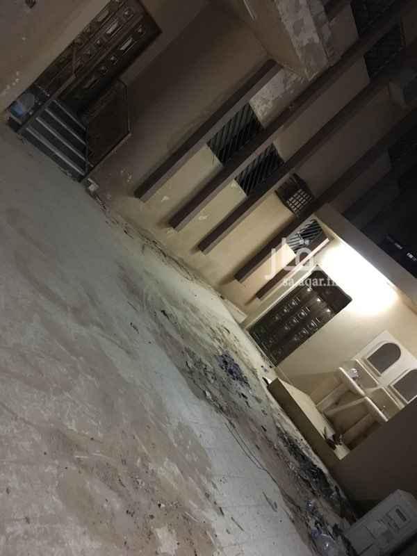 1641605 ٣ غرف نوم +صاله  مجلس +مقلط +حمامين  مطبخ + مشب خارجي +حمام   الكهرباء مستقل .