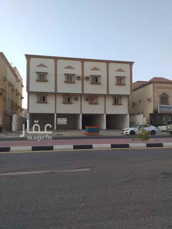 1633980 عماره سكنيه تجاريه يوجد اربع محلات و12 شقه تتكون الشقق من 3 غرف وصاله ودورة مياة ثنتين ومطبخ  وسعر الايجار بعد التفاهم