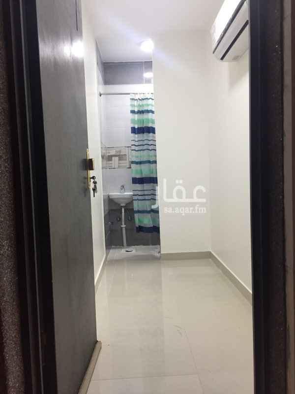 1139959 غرفة سائق جديدة مع دورة مياة للايجار الشهري بحي العارض بمدينة الرياض. تحتوي على مكيف سبيلت. للتواصل : 050 598 7334 ابو عبدالله