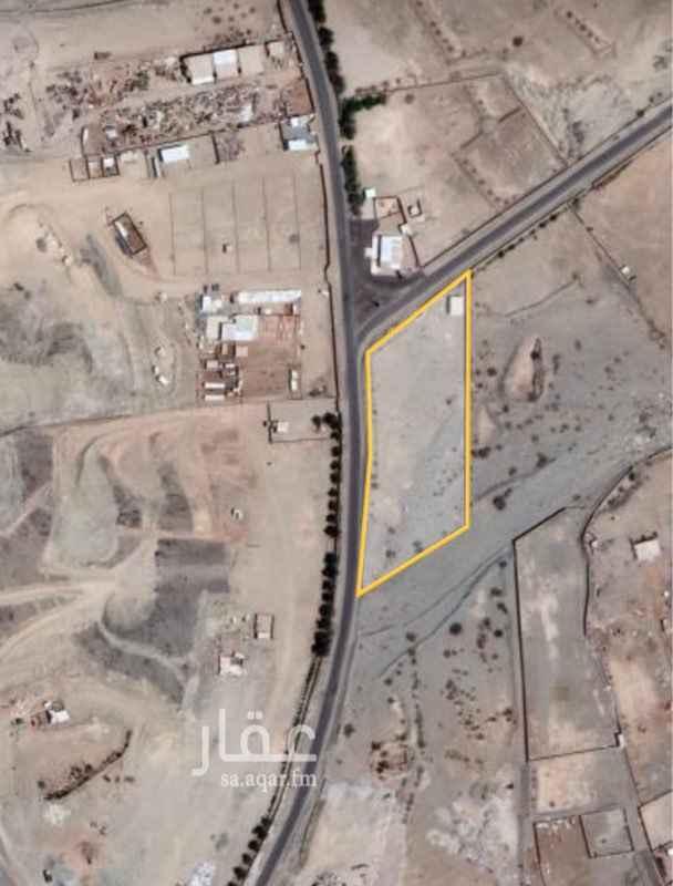 1559407 ارض على شارعين بجوار مسجد مبني بها استراحة