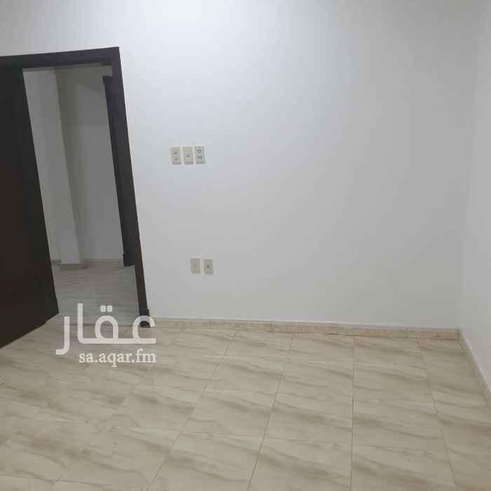 1774995 شقة دور اول. مكونة من غرفتين نوم، صالة، مجلس، مقلط، مطبخ.