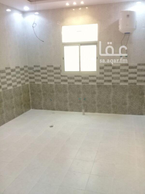 1153383 شقة مدخل مستقل جديدة  بحي الرمال  مجلس رجال + صاله + مطبخ + 2 غرفة نوم + 2 حمام  السعر 1300 شهريا