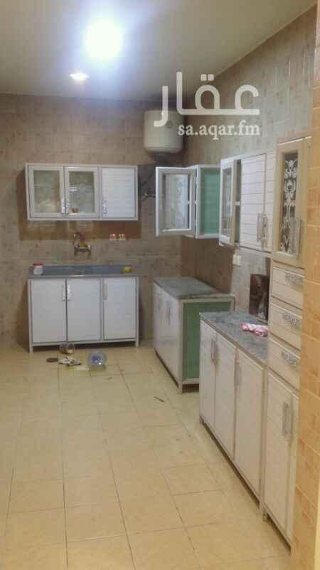 1291839 غرفتين وصاله مطبخ راكب حمام مكيفات راكبه نظيفه جدا عامل نظافه للعماره في الأسبوع مرتين