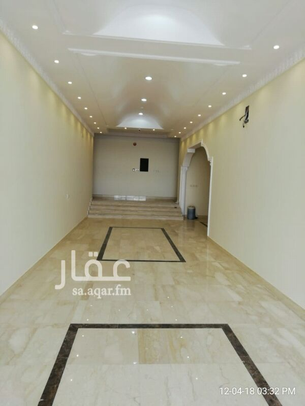 1295586 شقة عوائل غرفه و صالة و دورة مياه ومطبخ حي الحمراء شارع الشيخ حسن بن حسين بن علي