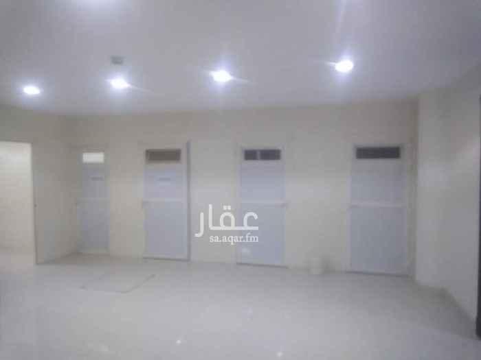 1661111 غرف ساءقين جديده حي الملقا  شمال الرياض في قبو عماره مطبخ مشترك و٢حمام مشترك تكيف مركزي