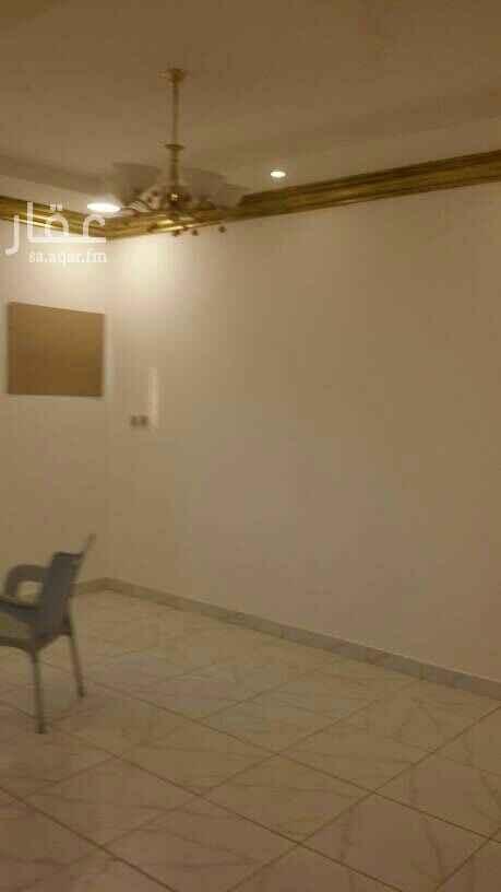 1724191 شقة دور ثاني اربعة غرف 2 نوم + مجلس +مقلط . مدخلين  الحي الرابع / 7 . ضاحية الملك فهد الدمام .