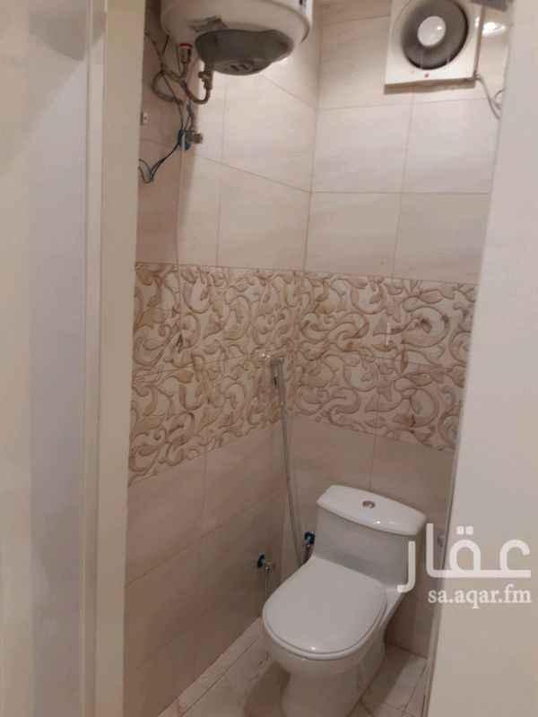 1288465 غرفة جديدة مع دورة مياه تفتح على الشارع واجهتها غربية ( الكهرباء والماء على المالك )
