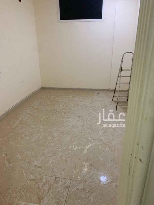 1485253 مدخل خاص يتكون دور علوي من سته غرف و3حمامات ت.      0506636664