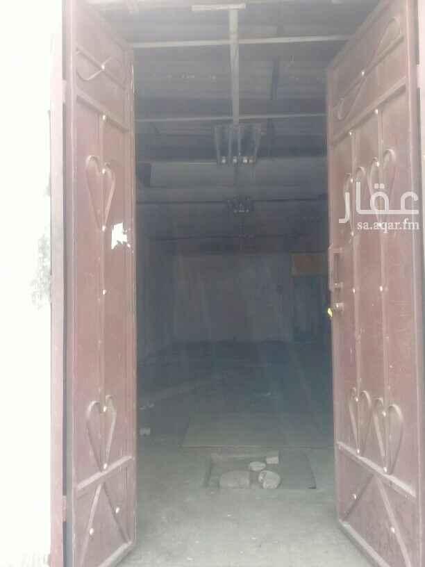1813891 مستودع  بحي العزيزيه للمشاهده الحارس اقبال 0572362657 أبو راكان ج ٠٥٠٦٦٩٦١٧٤