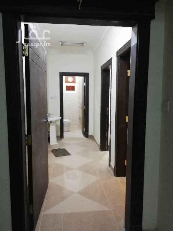 1555022 ثلاث غرف وصاله ومطبخ واثنين دورات مياه عداد كهرباء مستقل   وجود مصعد في العماره الاجار 17500