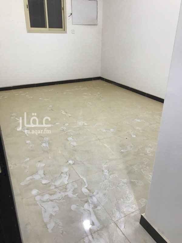 1688387 بدون سطح مدخل رجال خاص ومدخل نساء خاص عداد كهرب خاص الماء مشترك  شرق الرياض حي المعالي قريب من الخدمات
