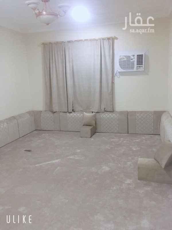 1683183 شقه للايجار حي الخليج مكونه من :   3 غرف و صاله ومطبخ و دورتين مياه   2500 + 500   الكهرباء عليك