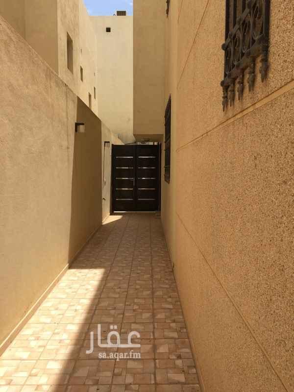 1628690 شقة بالسطح  غرفة نوم مجلس صالة مطبخ راكب دورتين مياه سطح داخلي مسقوف الشقة بحالة ممتازة  بدون مكيفات