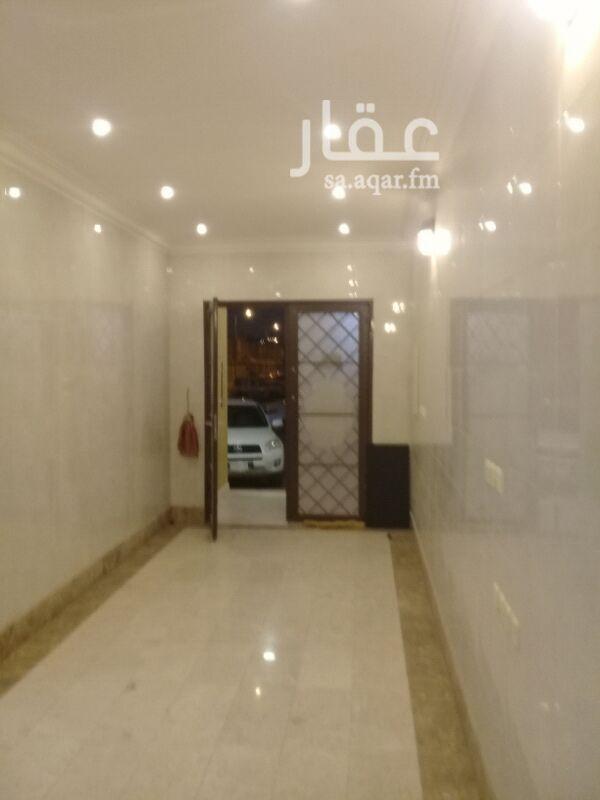 1147667 شقه غرف وصالة في عمارة جديدة . مكيفات اسبليت ومطبخ راكبه.الشقه نظيفه ويوجد مصعد وحارس وخدمات في العمارة.  شارع36جنوبي .اليرموك الشرقي .جوال 0538760709