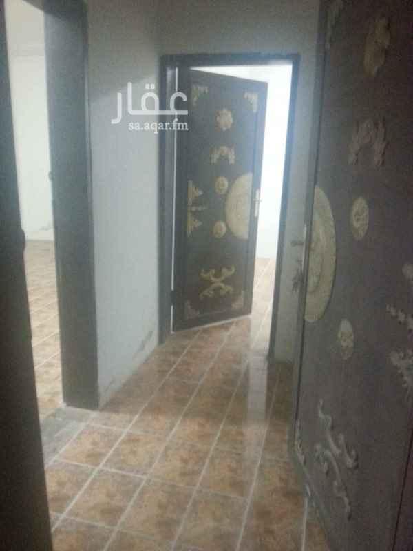1037763 شاليه عزاب نظيف غرفتين ومطبخ راكب ودورة مياه وحوش الكهرباء والماء على المالك