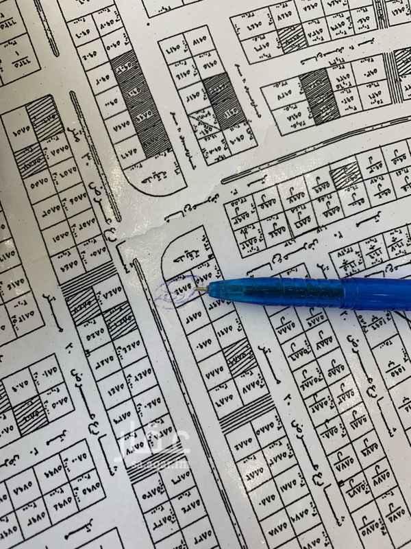 1411564 ارض مساحة ٤٠٠طبيعة كف حي واصل جميع الخدمات شارع ٣٠ مسيومه ٤٥٠ الف الي يفرق السوم يتواصل معي