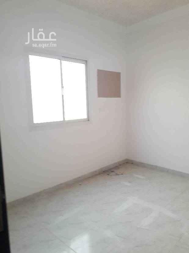1457765 شقة مدخل مستقل  ثلاث غرف وصالة  وسطح  جديدة