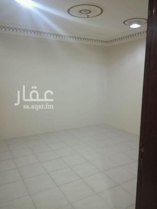 1291322 شقه علويه للايجار 4غرف ومطبخ و2 حمام وسطح يوجد بيت شعر في السطح