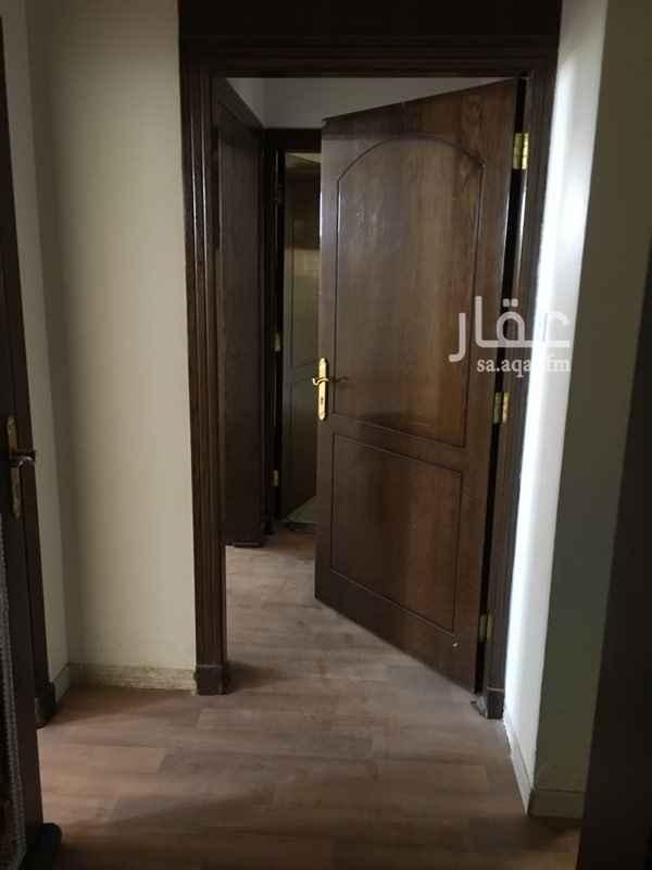 1605387 شقة عوائل للايجار السنوي (لا يوجد ايجار شهري) غرفتين نوم مجلس صالة دورتين مياه مطبخ راكب مصعد في العمارة عمارة هادئة ومرتبة قريبة للمدارس وللخدمات قريبة للدائري