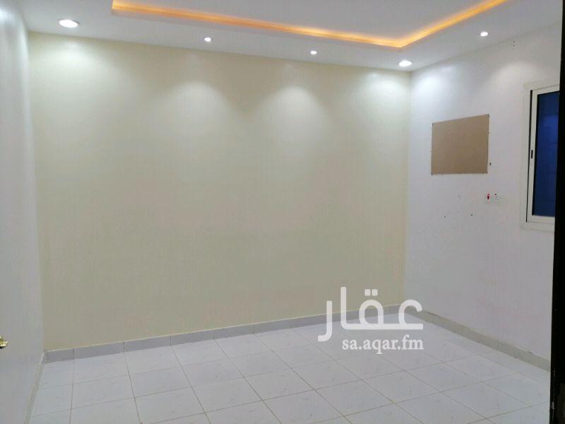 1502885 شقة ٥ غرف وصاله للايجار التفصيل مجلس ومقلط وصاله ومطبخ و٣غرف نوم وسطح  للتواصل 0508807197