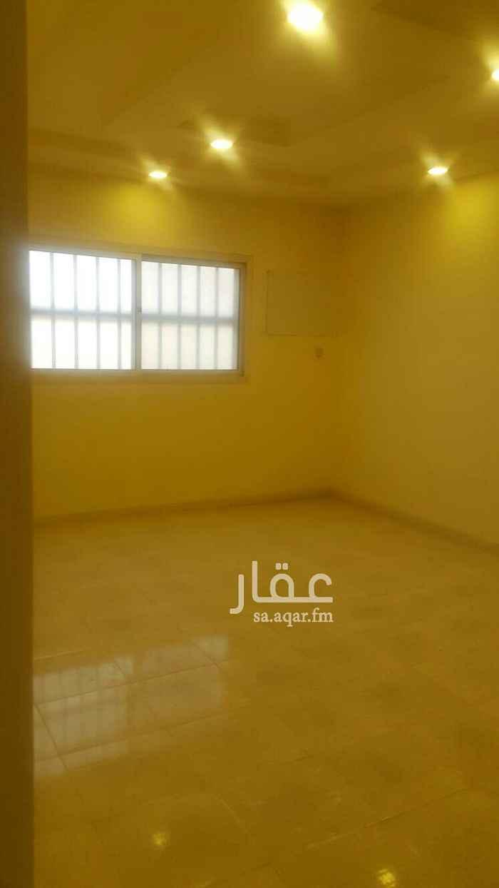 1584929 3 غرف وصاله ودورتين مياه ومطبخ  الإيجار دفعتين لسنه مجدده  مكتب سمو الفهد  /  0541066150