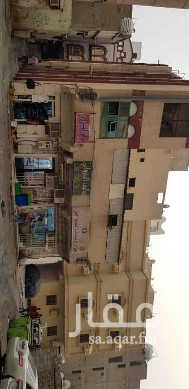 1812470 يوجد لدي عماره للبيع في مكة المكرمة في حي المعابده على الشارع العام (20 متر عن الشارع العام لاكن المنزل في الواجهه لدخلت الشارع) المساحة (188) متر   السعر 4 مليون و نص مع العلم ان المنطقة منطقة فنادق للجادين يرجى الاتصال على : 0550555374