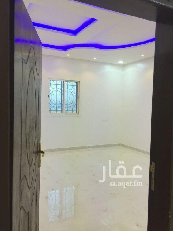 فيلا للبيع فى شارع عثمان بن سند النجدي ، حي الرمال ، الرياض صورة 3