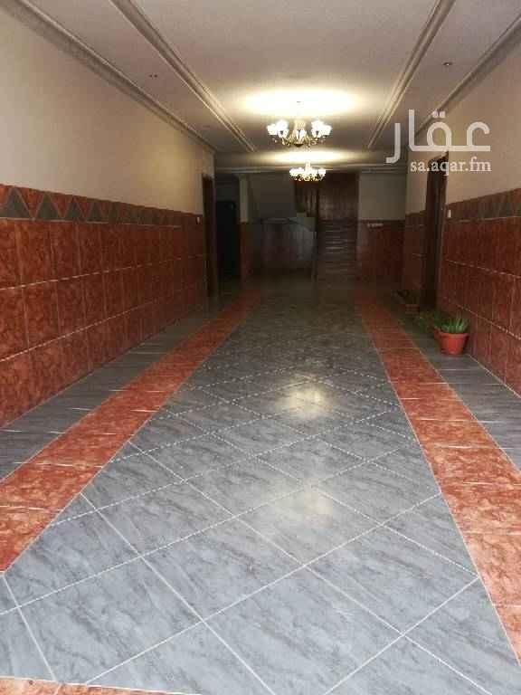 1575715 غرفتين وصالة وعدد٢ حمام مكيفات ومطبخ راكب معاها ملحق سطح داخلي به غرفة غسيل السعر قابل للتفاوض