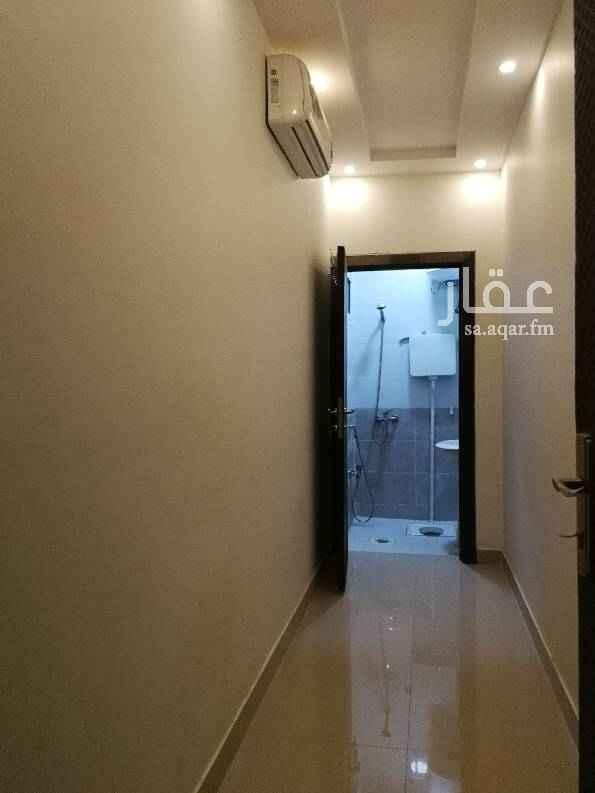 1721871 غرفة سواق للايجار الشهري فيها مكيف ودورة مياه. الماء والكهرباء على المالك