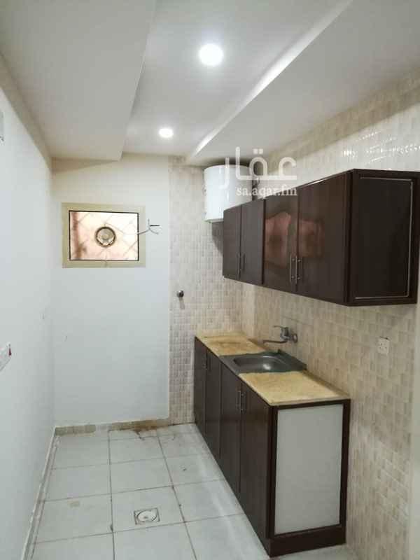 1291985 الموقع : شارع محمد القصيبى-حى الملك فيصل  الوصف : غرفتين وصاله وحمامين ومطبخ بها مكيفات ومطبخ راكب  الايجار غير شامل الماء والكهرباء  العمارة بدون مصعد