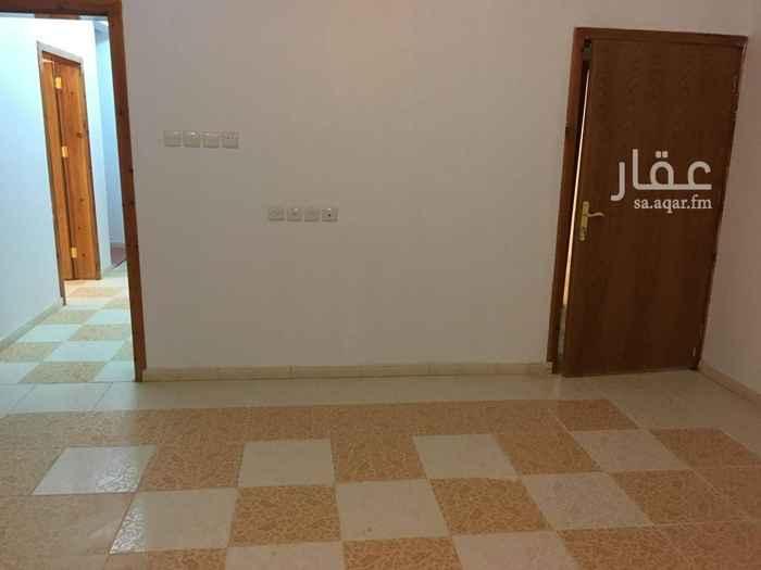 1727134 يوجد 3 شقق للايجار في حي العكاس في ابها غرب مشهد العيد الشقق تتكون من 5 غرف و3 دورات مياه وغرفة غسيل  . يوجد شقه دور ارضي وشقتين دور ثالث