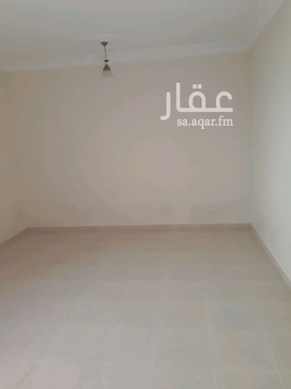 1280554 ايجار دور علوي خمس غرف وصالة ومطبخ وثلاث حمامات حي الجنادرية