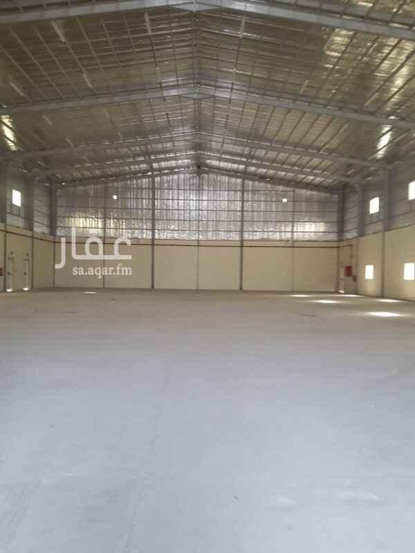 1727445 مستودع للايجار مساحة 2800 متر مفتوح مع بعض نظامي فيه 4 مكاتب وعدادات ماء الموقع السلي مخرج 18