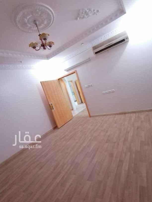 شقة للايجار 4 غرف وصالة اشبيليا