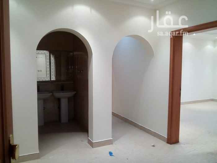 1665558 شقة ثلاثة غرف وصالة مجددة ونظيفة جدا حي الشهداء بها مكيفات ومطبخ