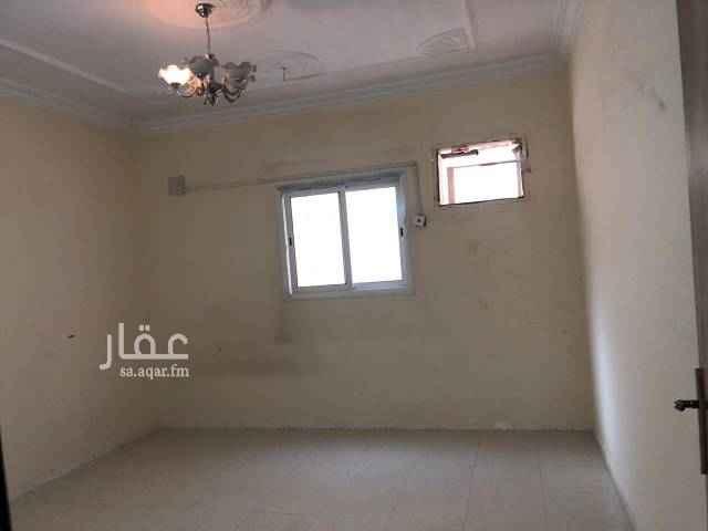 1750500 شقة فى حى المعزيلية خلف قصر الصيوان  غرفتين وصالة ومطبخ وحمام المياه مجانا والسعر قابل للتفاوض