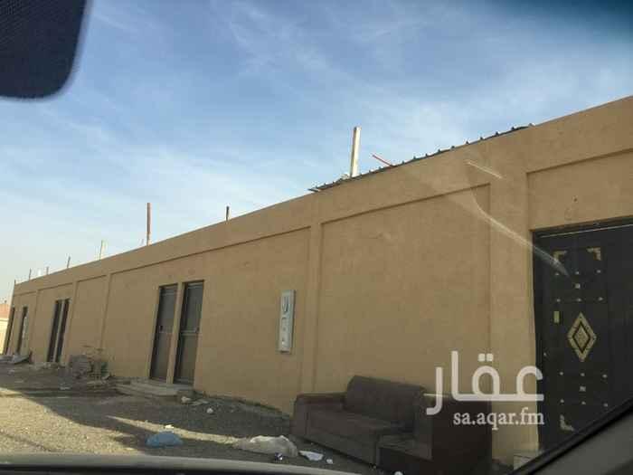 1334778 للبيع استراحه  جديدة شمال الرياض  حي الأمانه 12 شاليه للعزاب ، تم تأجير 11 منها ب 18000 ريال لكل شاليه  ،   مساحة ٩٠٠ متر ٣٠ في ٣٠  على شارعين  ، شارع ١٥ متر جنوبي  وشارع ١٥ متر شمالي البيع قريب