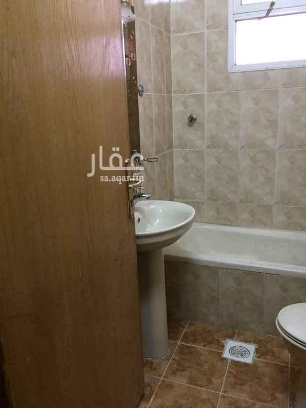 1255291 شقة غرفتين منها غرفة نوم ماستر بحمام داخلها وغرفة اخري وحمام اخر وغ غسيل وصالة كبيرة ومطبخ كبير وغ غسيل  الايجار شهري ٢٥٠٠