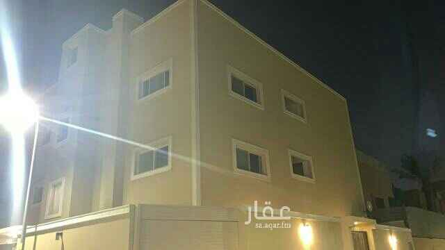 1753046 أدوار علوية مجددة للإيجار بحي السليمانية قريبة من الخدمات و  وسط مدينة الرياض  ، تتكون من :   3 غرف + 1 غرفة نوم ماستر مع دورة مياة + 1 مجلس + 1 صالة + 2 دورة مياة .  الايجار : 45000 ريال سنوي .  للاستفسار : 0540070095 - 0530090095