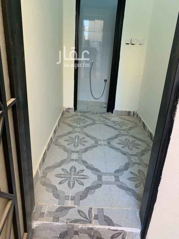 1755294 غرفه الاجار يوجد فيها حمام ومكيف شغال بارد من المالك مباشر سعر الشهر 800 مع الكهرباء والمويه حي المهديه