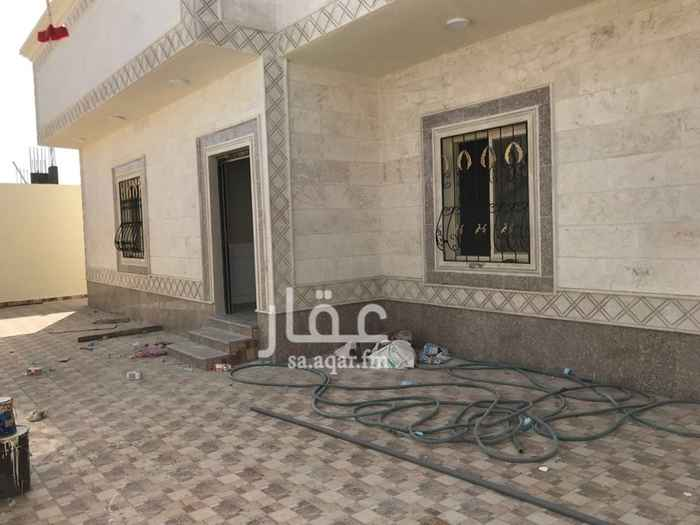 بيت للبيع في حي غرب النابية في سيهات