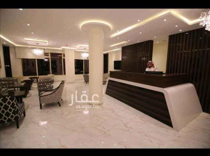 1699751 شقة عبارة عن غرفة و صالة و مطبخ و حمام للايجار الشهري عام دراسي فقط