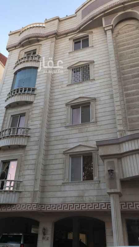 1402657 شقة حي الصفا عماير السلطان خلف الدانوب مساحة 254 م 7 غرف + صالة + 4 دورات مياه + غرفة شغالة بدورة مياه + غرفة سائق + موقف سيارة