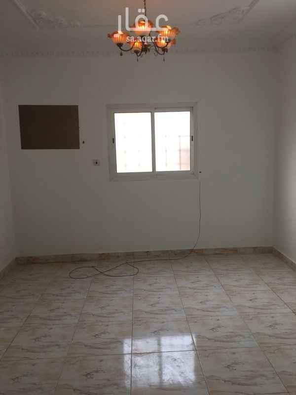 1686601 شقه ثلاث وصاله مدخلين مع السطح ممتازه اليرموك الغربي