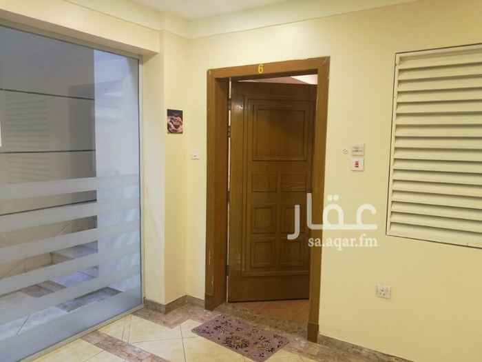 1340701 شقة غرفة وصالة ومطبخ وحمام وركن للغسيل الشقة بدروم فيها حارس وقريبة من مكان الخدمات