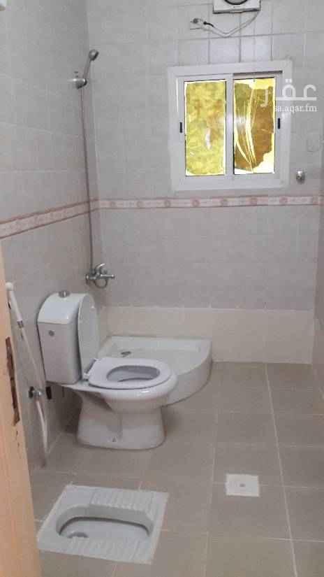 1478188 شقه للإيجار في حي المنار   ٥غرف ٣دورات مياه +٢صاله+ مطبخ مدخل خاص