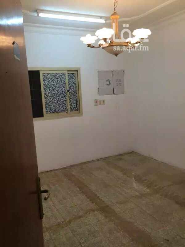 1155936 غرفتين وصاله ومجلس ومغلط وحمامين ومدخلين