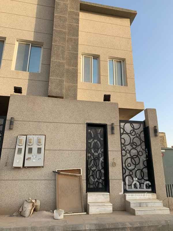 1484850 للايجار غرفة سواق مع حمام ب ٥٠٠٠ ريال ب حي الامانه (العارض)