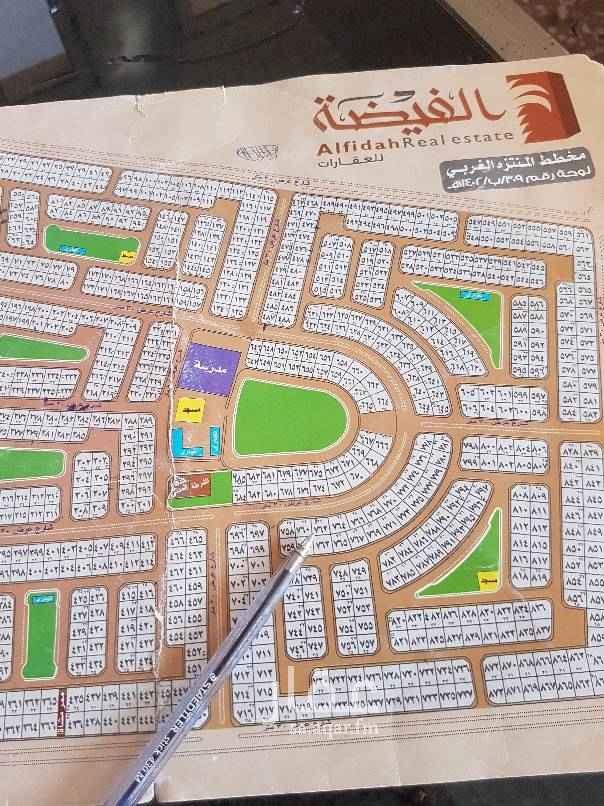 1576763 للبيع في مخطط  المنتزه الغربي حي الصواري  رقم القطعه 762  المساحه 600 شارع 30  استفسار رقم الجوال ٠٥٣١٤١٣٣٥٧