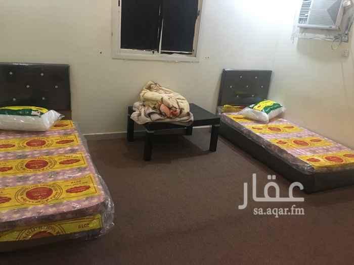 1745544 شقة عزاب بحي لبن عبارة عن غرفتين وصالة مؤثثة
